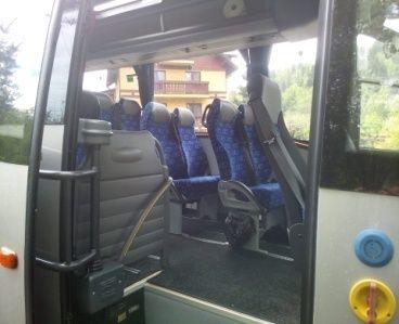 Wynajem Autobusu iveco Wing